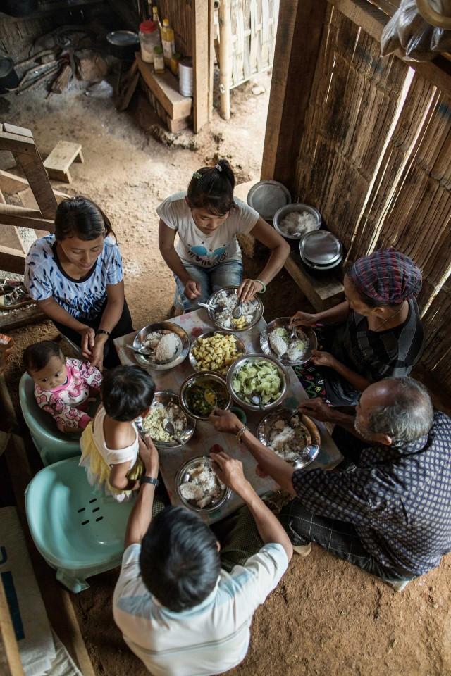 WFP_FamilyMeal_ChrisTerry_Birmania-2627web