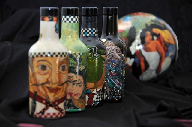 aceto-balsamico-bottiglie-dipinte
