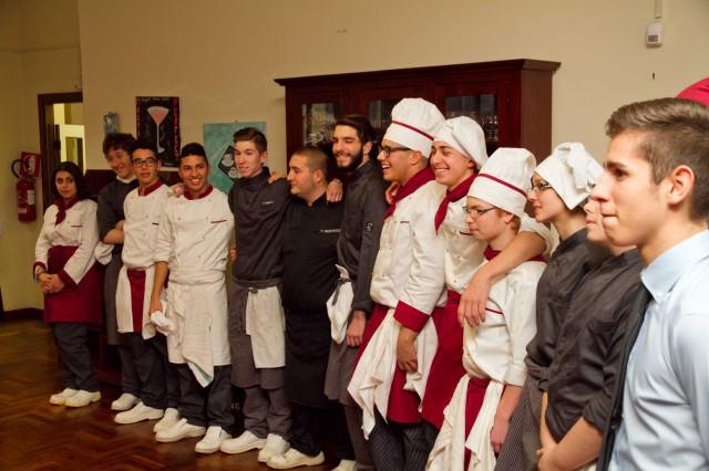 aspiranti chef e camerieri