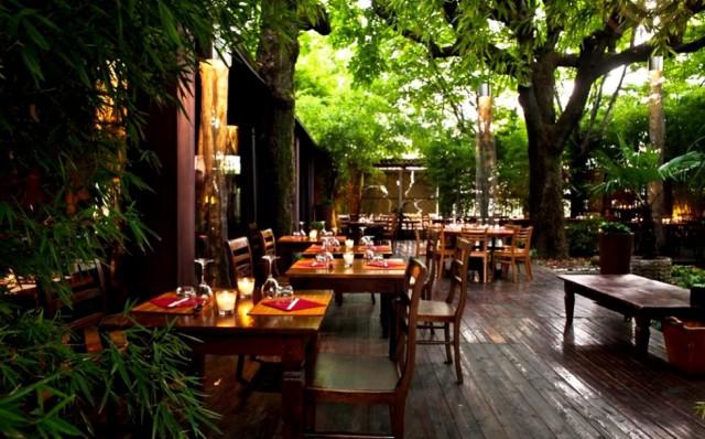 Ristoranti milano 20 tavole con giardino per mangiare all for Arredamento giardino usato