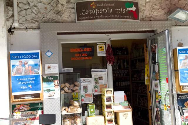 Campania Mia store