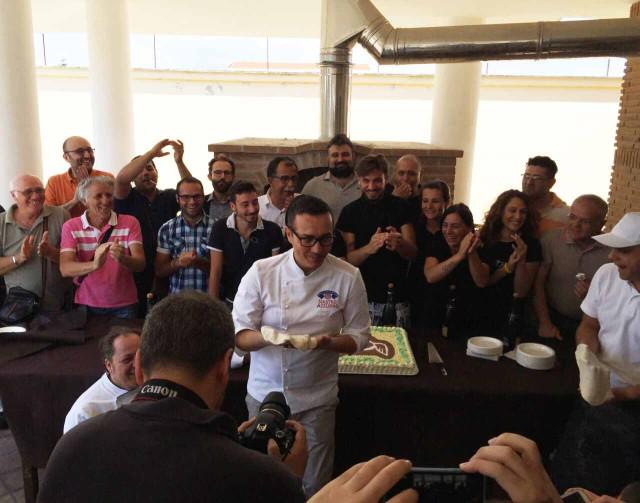 Gino Sorbillo inaugura centro Don Milani