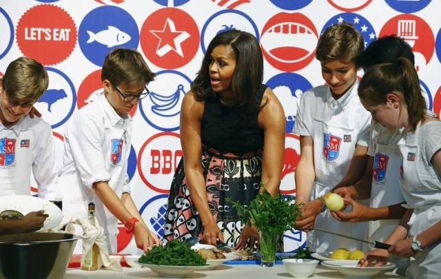 Michelle Obama show cooking