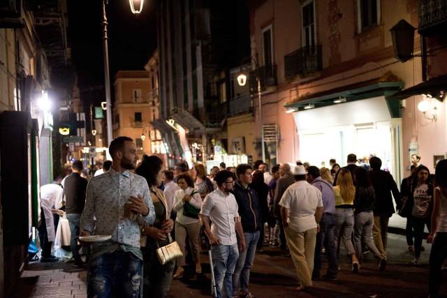 folla a Festa a Vico