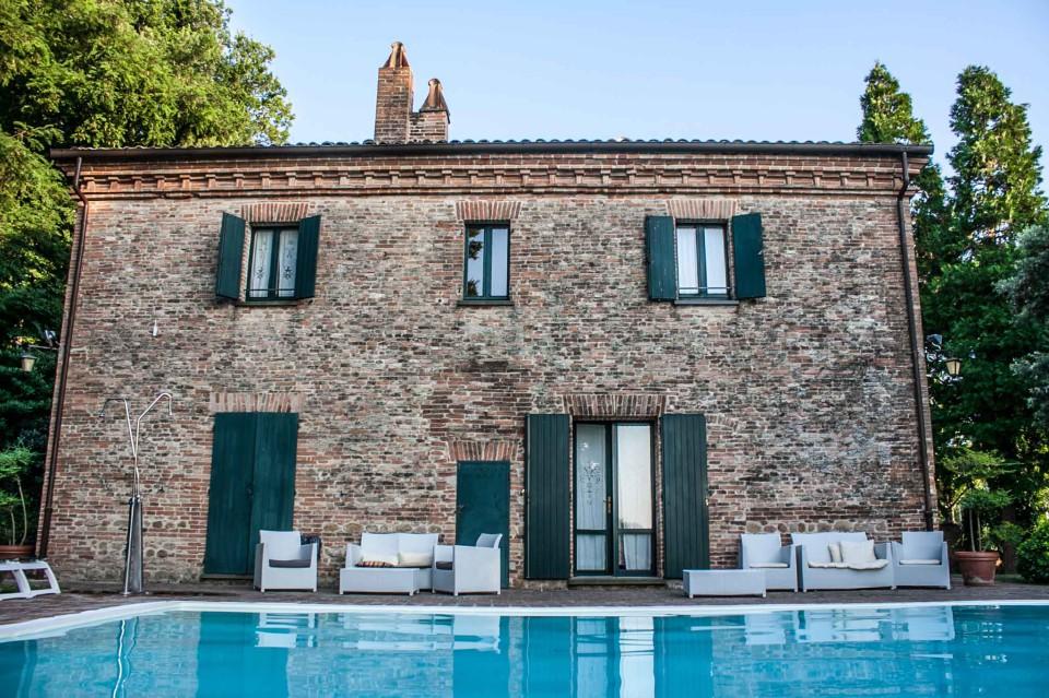 Montegridolfo piscina