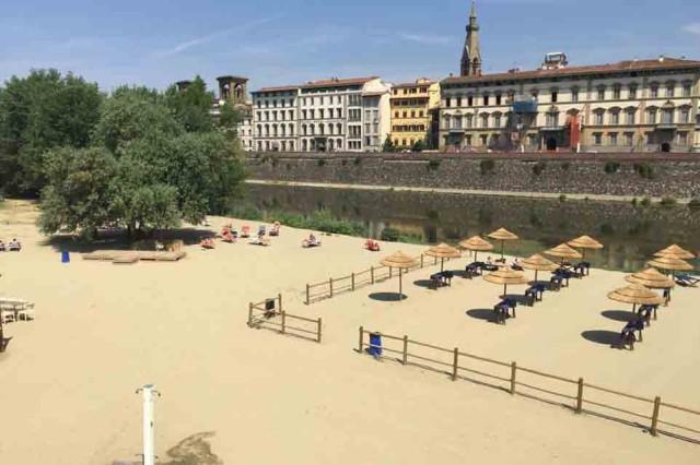 Spiaggetta sull'Arno