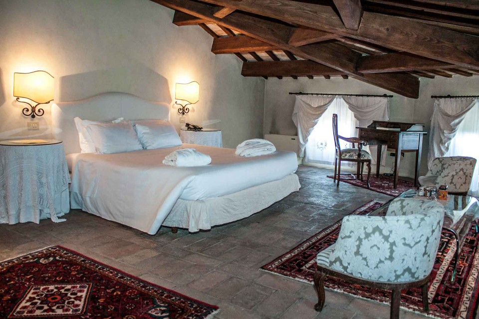 camere letto Montegridolfo