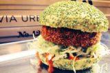 Hamburger di granchio per combattere la dittatura della fassona a Milano