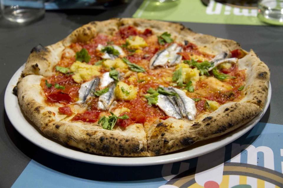 pizza alici mbuttunate