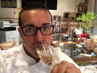 Pizza. Gino Sorbillo inventa la Sciampagna, champagne napoletano con acqua di mare