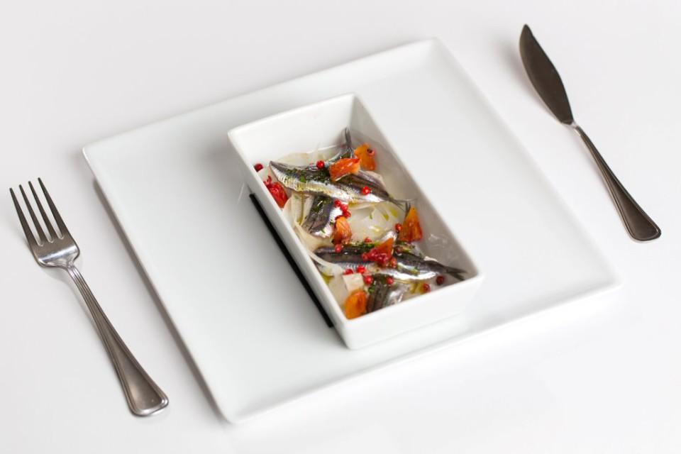 alici marinate agrumi e pepe rosa