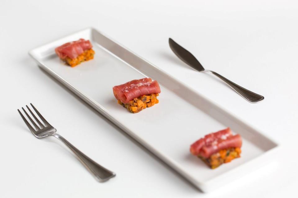 tonno marinato in verdure agrodolci