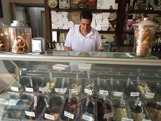 vetrina gelati Di Matteo