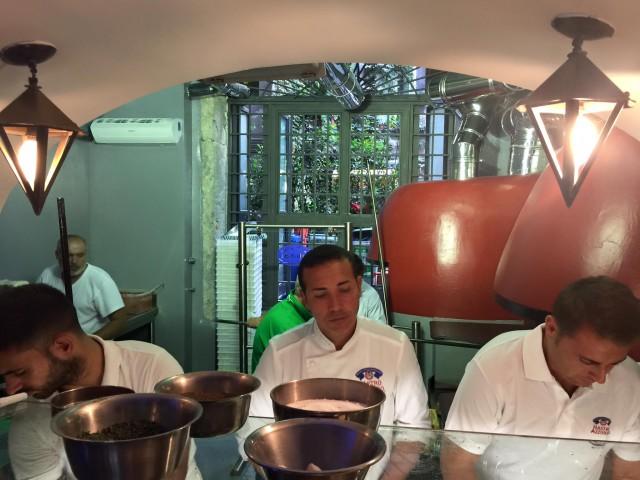 Gino Sorbillo nuova pizzeria Tribunali