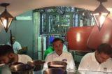 Napoli. Gino Sorbillo apre la nuova pizzeria ATTaglio con il tavolo del pizzaiolo