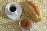 Roma. Dar Ciriola per la colazione a 3 € con pane burro e marmellata