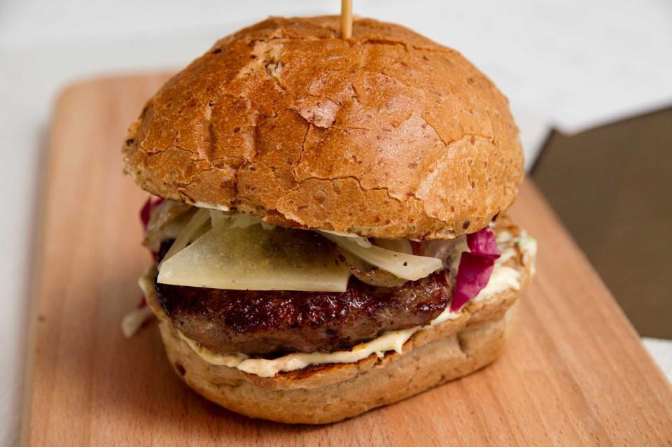 panino Ham Holy burger Roma