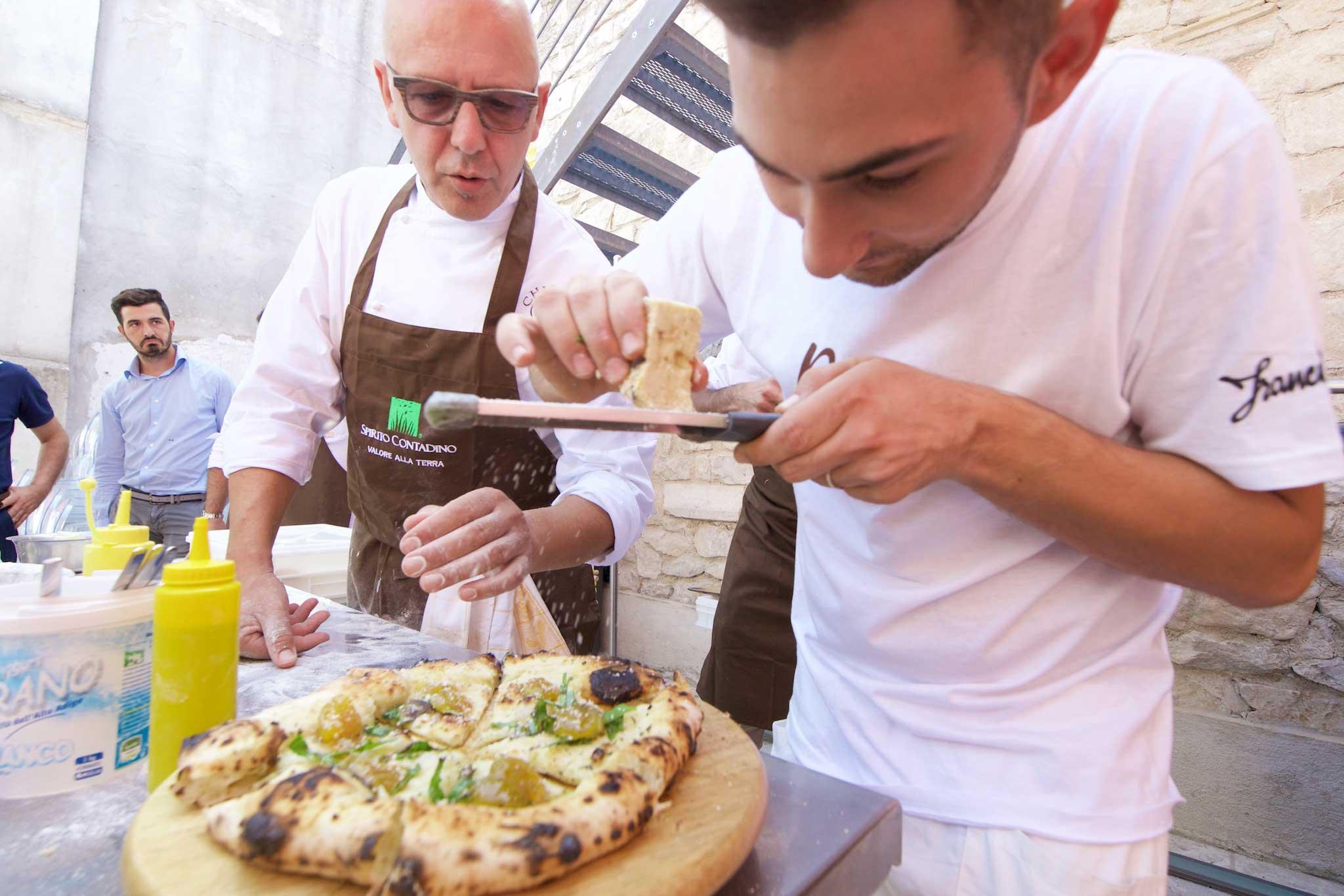 Franco pepe utilizza il forno elettrico per la pizza napoletana - Forno per la pizza ...