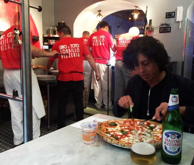 pizzeria Sorbillo tavolo pizzaiolo