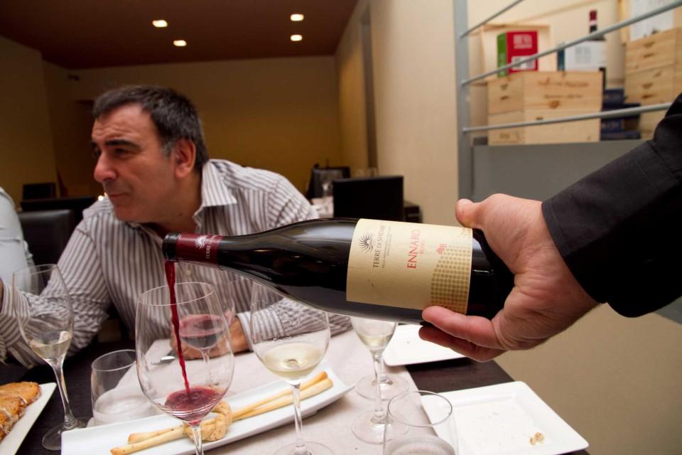 Ennaro vino rosso