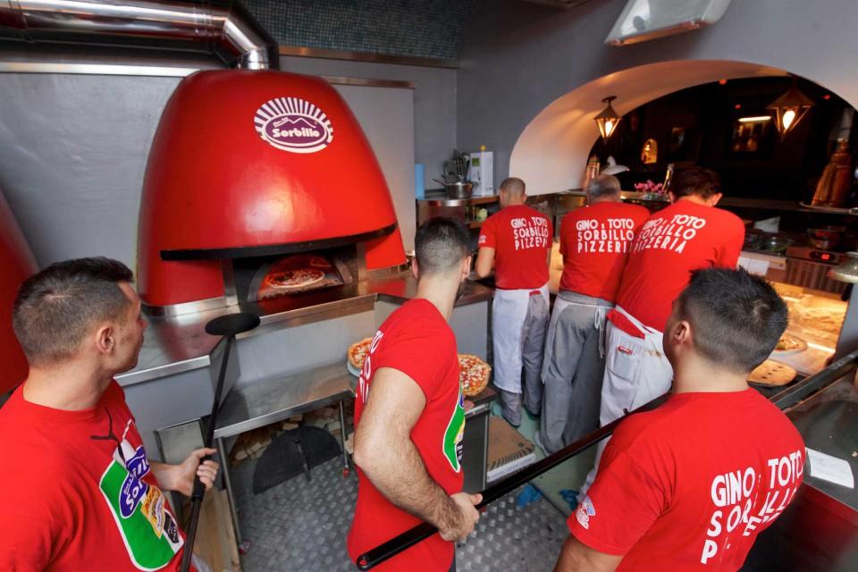 forni pizzeria Gino Sorbillo