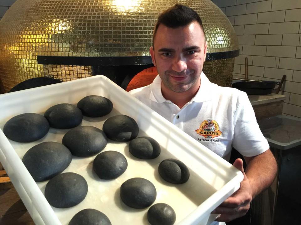 impasto pizza nera carbone vegetale