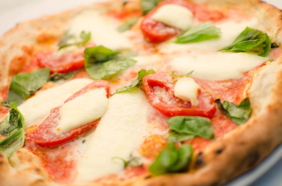 pizza pacchetelle pomodori
