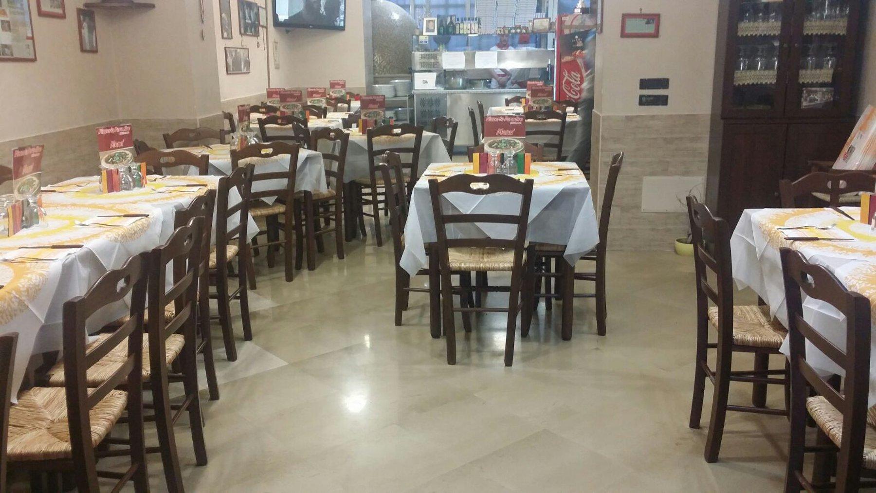 sala pizzeria Paradise