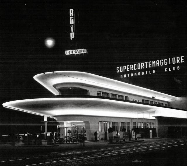 stazione servizio anni 50 piazzale Accursio