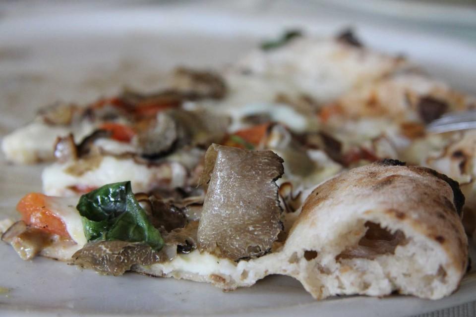 cornicione pizza tartufo
