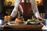 Hamburger. Joe Bastianich vi spiega come farlo veggie nel suo nuovo libro