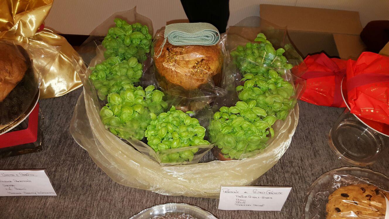 panettone salato al pesto