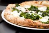 Pizza e champagne è un abbinamento possibile: a volte anche a Napoli