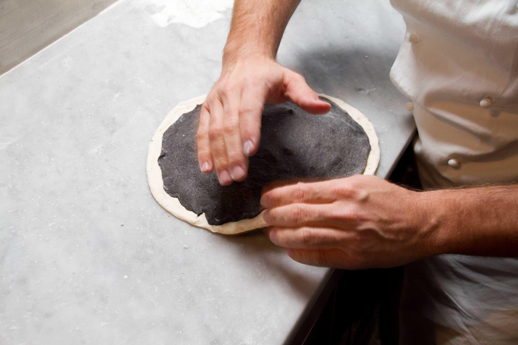pizza fritta stesura nero