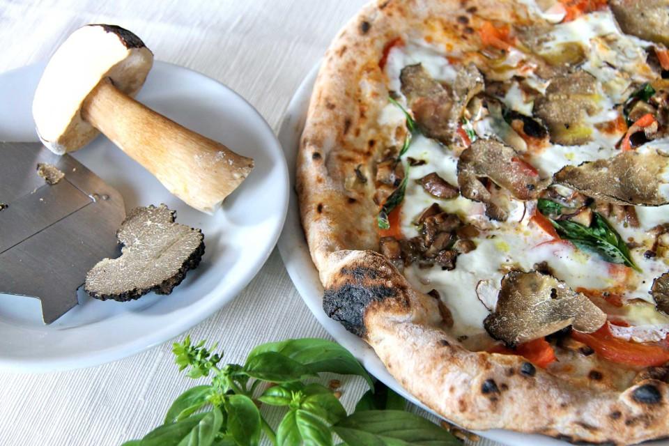 pizza porcini tartufo