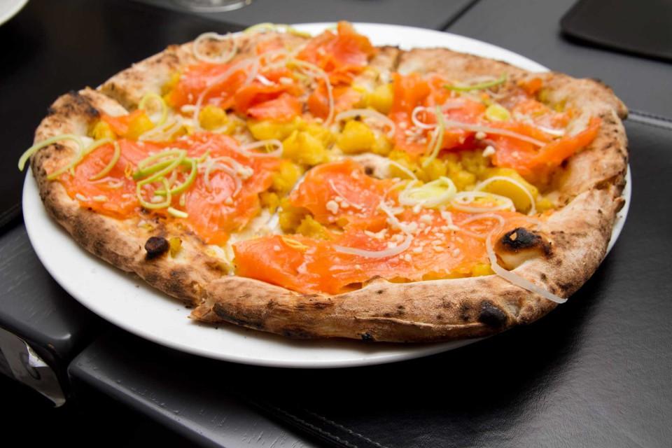pizza regina Gatta Mangiona