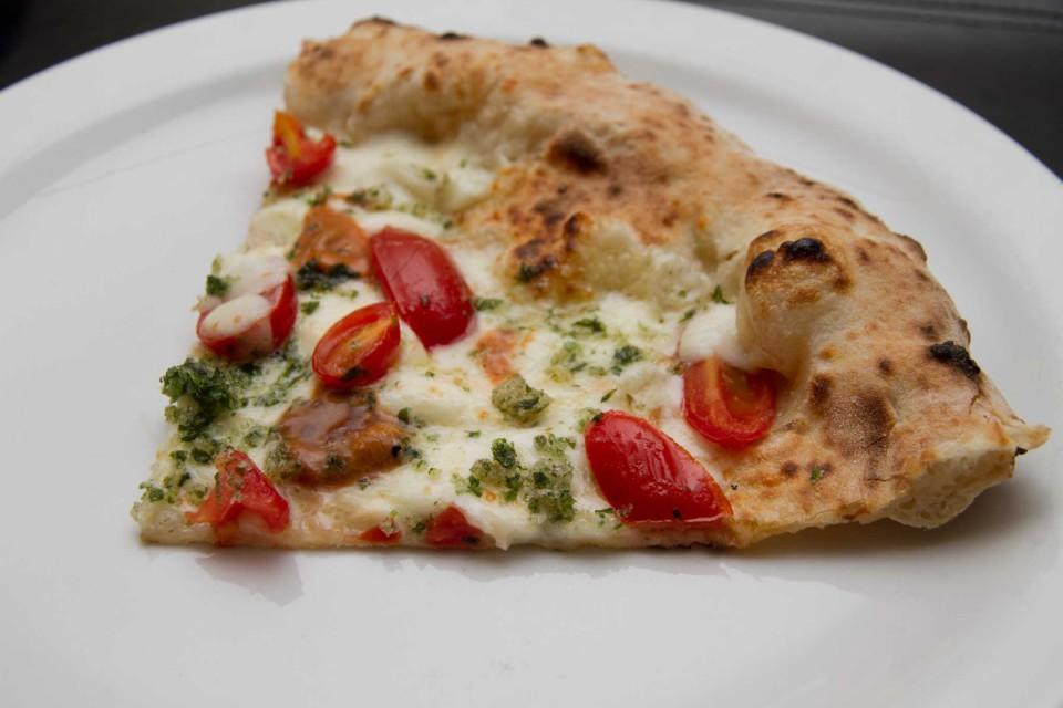 pizza ricci di mare fetta