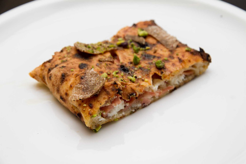 pizza ripieno ricotta tartufo