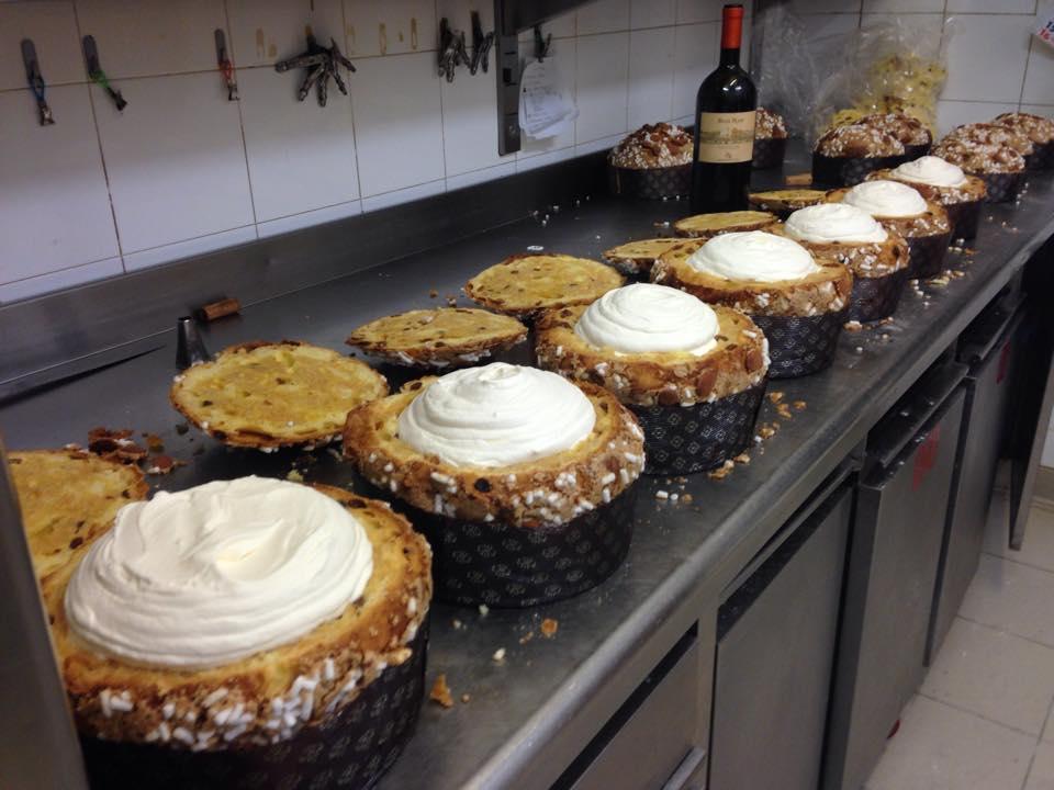 Panettone con bisquit di crema e passito di Pantelleria