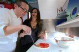 Pizza. Maria Grazia Cucinotta e Gino Sorbillo testimonial in Cina