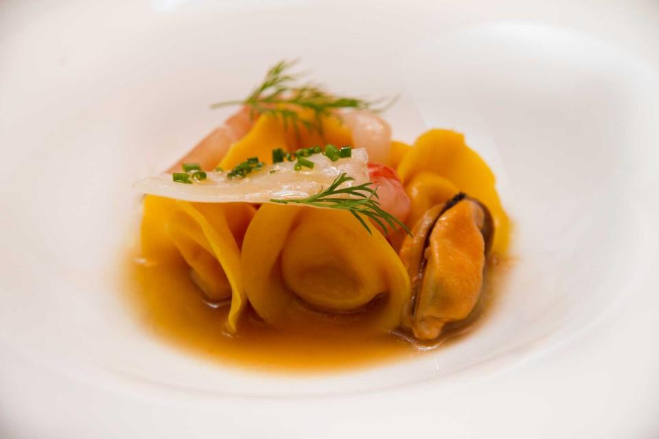minestra di pesce in ravioli