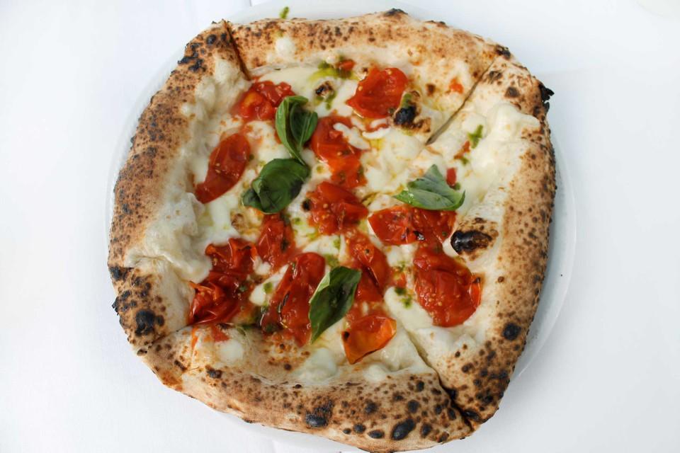 pizza margherita piennolo