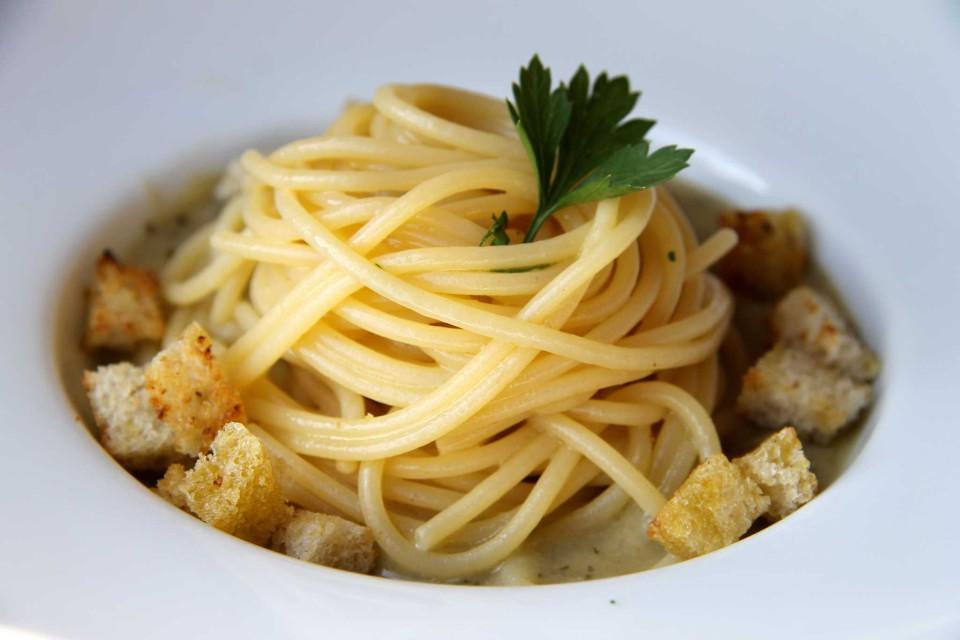 spaghetti pane e olio