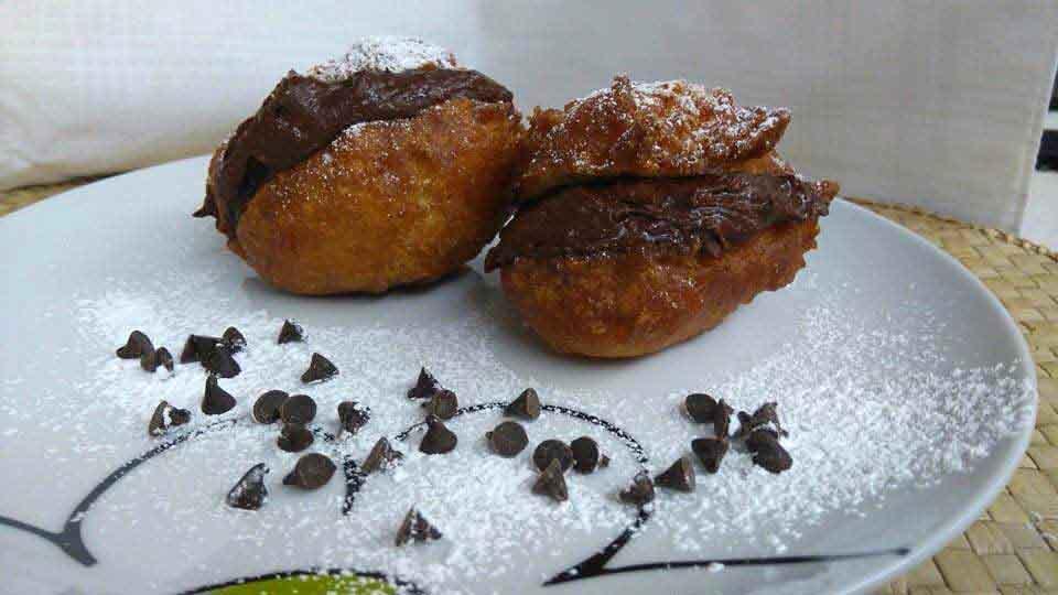 frittelle vegane con crema veghella