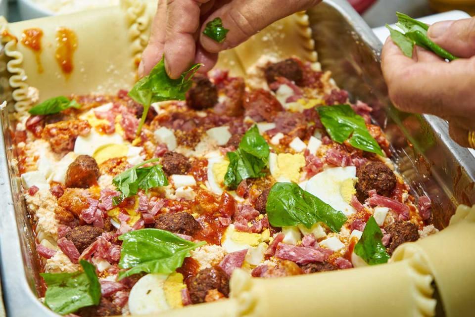 lasagna napoletana ricetta basilico