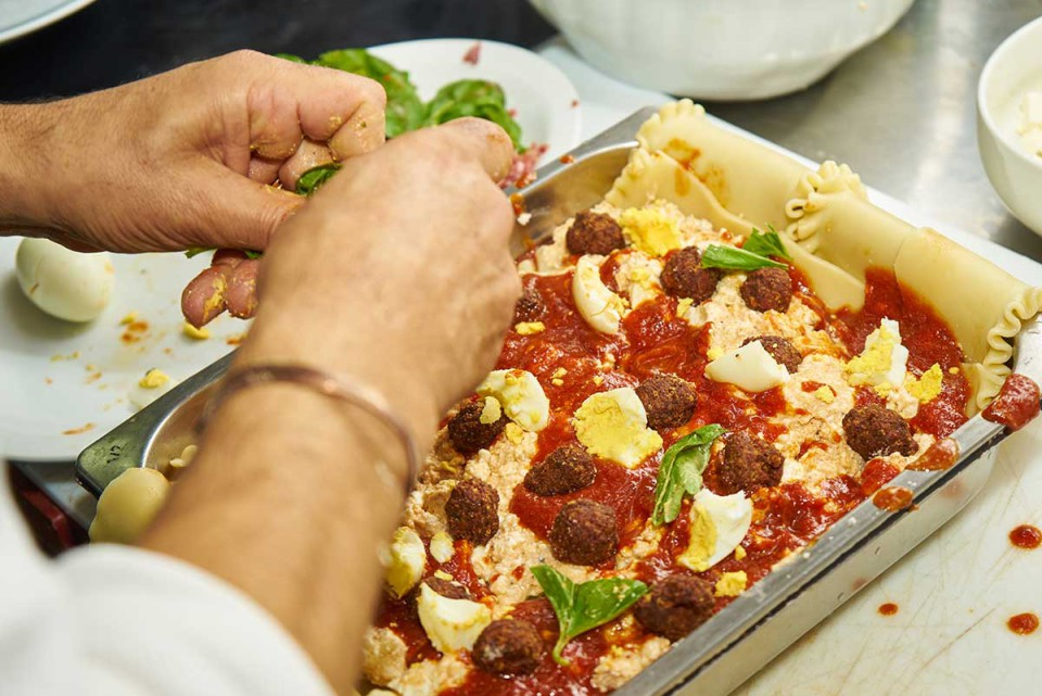 lasagna napoletana ricetta polpettine e basilico