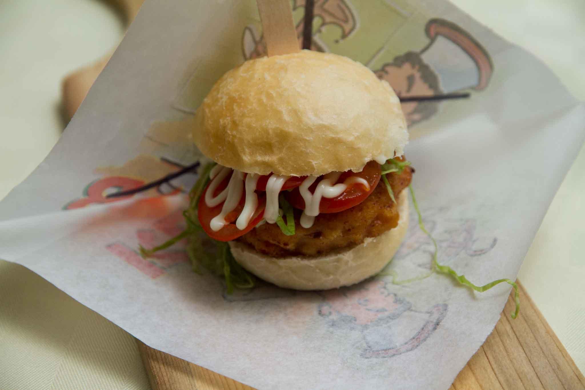 abbastanza Ricetta. Panino, cotoletta di calamaro e hamburger di pomodori PC63