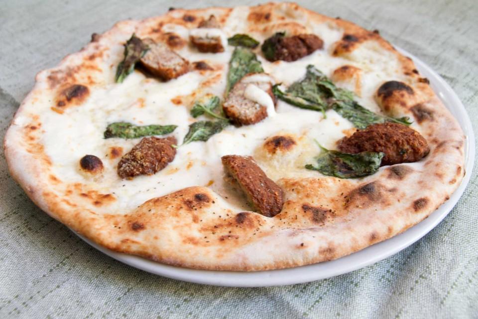 pizza con le polpette Teresa Iorio