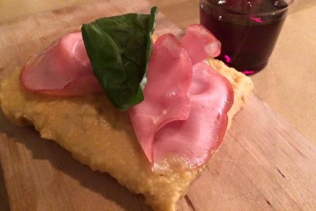 pizza crema di ceci e mortadella Pasquini