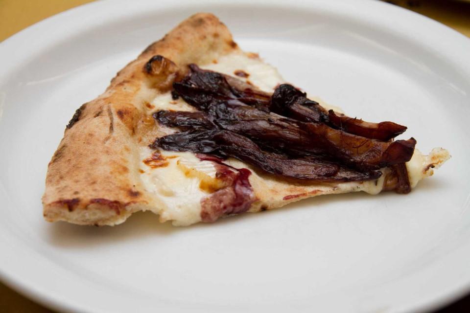 pizza radicchio trevigiano brasato